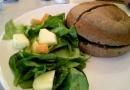 L'un des sandwiches du jour (avec pain maison)
