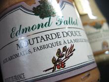 La moutarde Fallot est la seule à être fabriquée de manière traditionnelle.