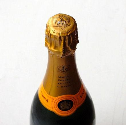 d o vient le nom des grosses bouteilles de champagne cookismo recettes saines faciles et. Black Bedroom Furniture Sets. Home Design Ideas