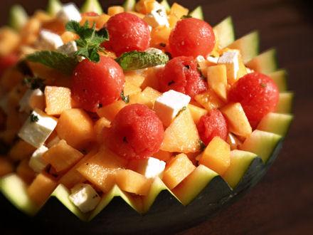 Salade feta, pastèque, melon et menthe