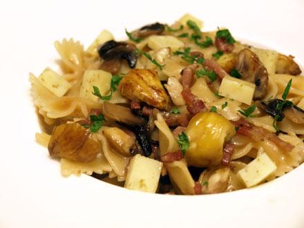 Pâtes aux châtaignes, lardons et champignons