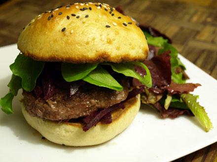 Burger sans fromage, betterave et wasabi
