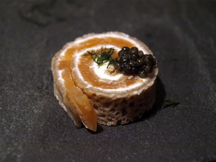 Roulés apéritifs au saumon et au fromage frais