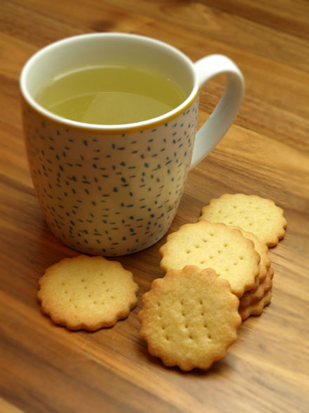 Sablés et tasse de thé
