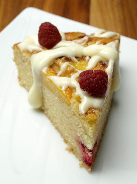 Part de gâteau framboise-peche