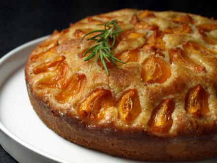 Gâteau abricot-romarin-mascarpone