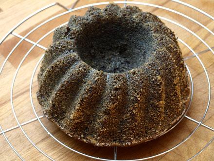 Gâteau au pavot démoulé