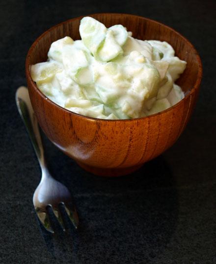 Salade de pomme de terre et concombre à la crème