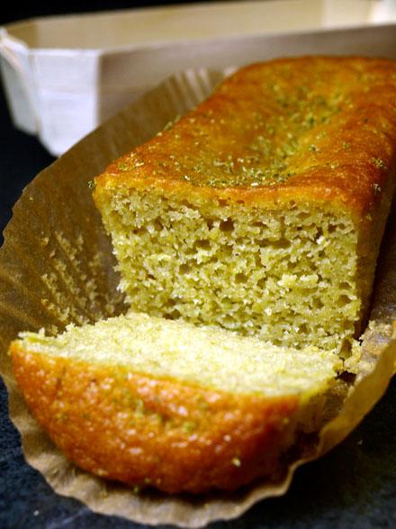 Cake avocat-citron vert tranché