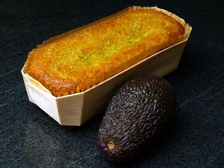 Cake à l'avocat et au citron vert