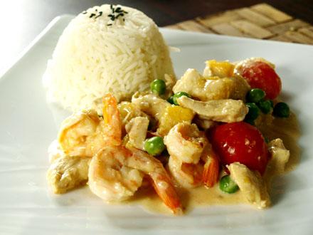 Curry terre mer au poulet et aux crevettes