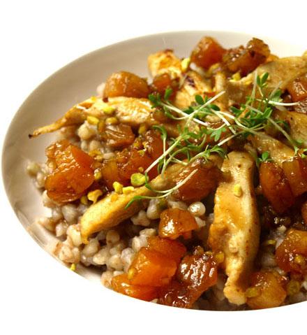 Graines de sarrasin au poulet, sauce abricot et soja