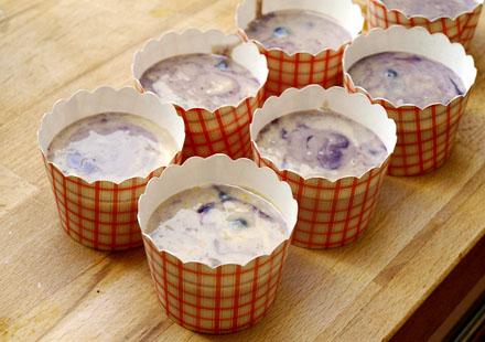 Muffins aux myrtilles sans gluten avant cuisson
