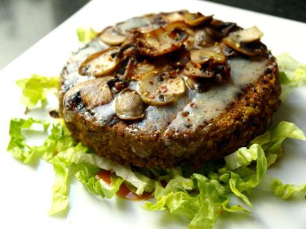 Steak veggie à l'indienne aux lentilles vertes et pois cassés