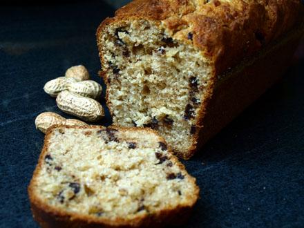 Cake à la banane, aux cacahuètes et au chocolat