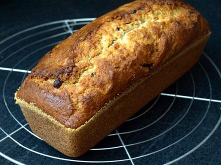 Cake à la banane, cacahuètes et chocolat