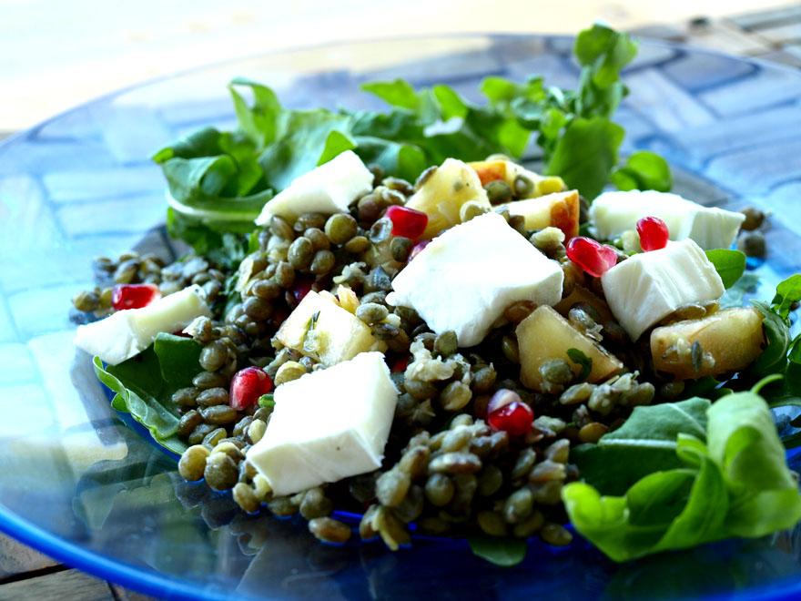 Salade de lentilles, pommes, estragon et fromage de brebis
