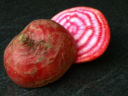 Salade de betterave rouge chioggia fleur de sel au caf - Comment cuisiner la betterave rouge crue ...