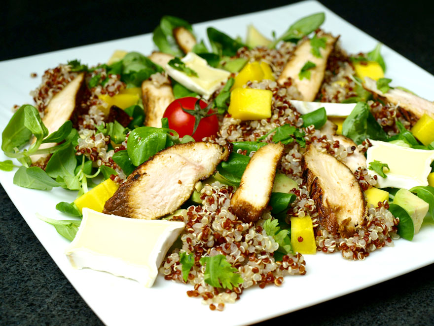 Salade de quinoa à la mangue et au poulet