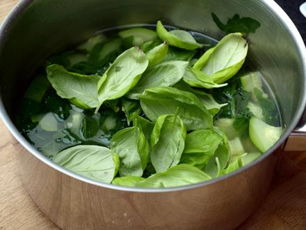 Ingrédients de la soupe à la courgette et à la roquette