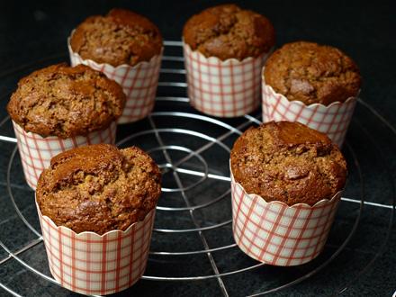 Muffins à la cannelle sans gluten à la sortie du four