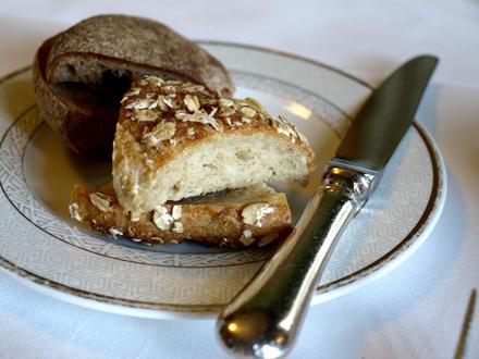 Pain sans gluten proposé au restaurant Restaurant G.W.Sundmans à Helskinki © Cookismo