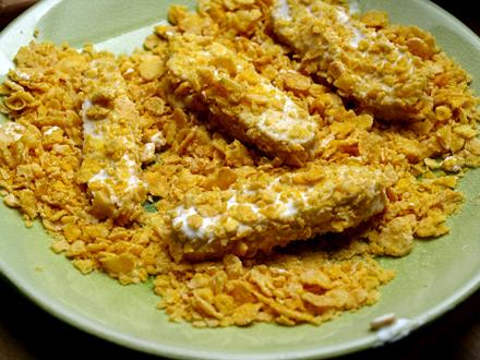 Tranches de tempeh panés aux corn-flakes