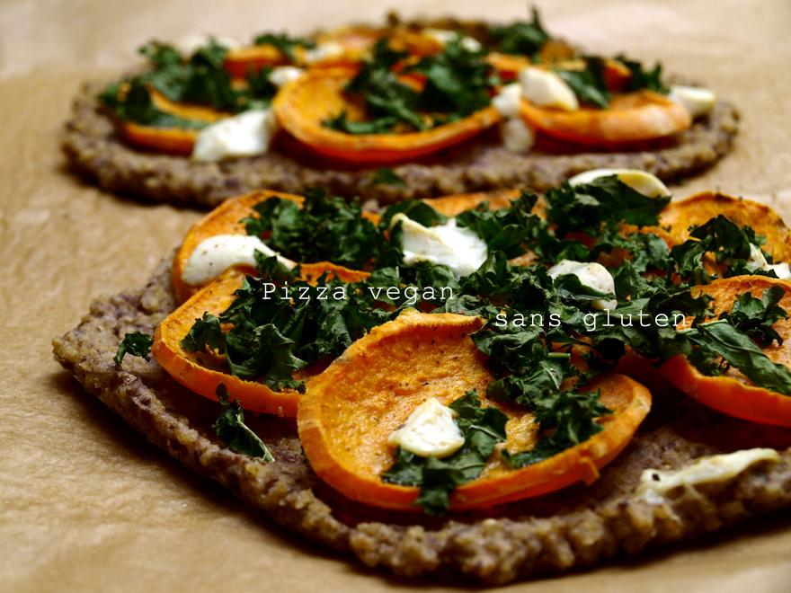 Pizza sans gluten à la patate douce et au kale (vegan)
