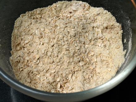 Mélange ingredients secs pour muffins sans gluten