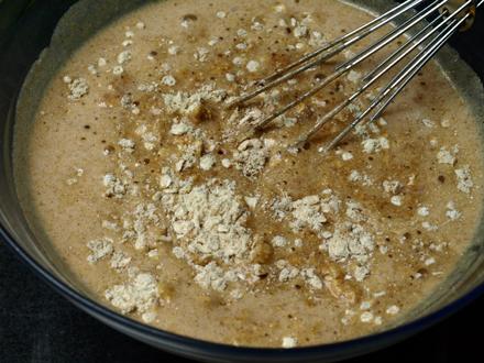 Mélange ingrédients secs et liquides