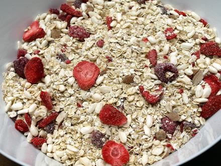 Muesli maison coco, fraise et framboise