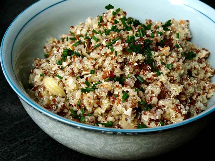 Salade de quinoa aux châtaignes et fruits secs