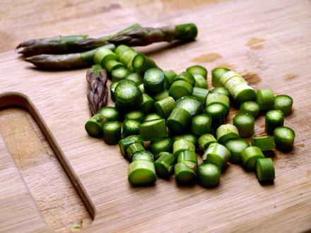 Velout d asperges vertes la cr me d amande cookismo recettes saines faciles et inventives - Asperge a la poele ...