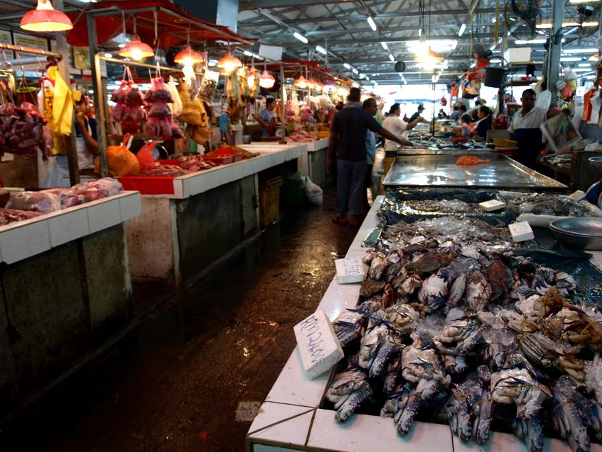 A droite les poissons, à gauche, les viandes © Christelle Vogel / Cookismo.fr