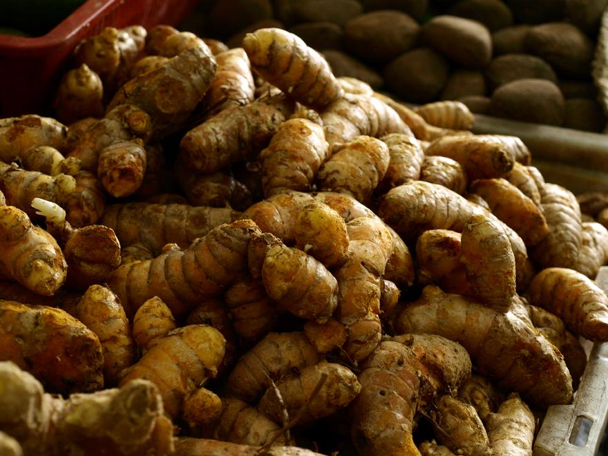 Rhizomes de curcuma © Christelle Vogel / Cookismo.fr