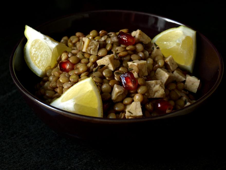 Salade de lentilles blondes au tempeh et grenade