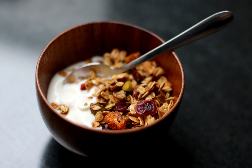 Granola d'automne et yaourt soja