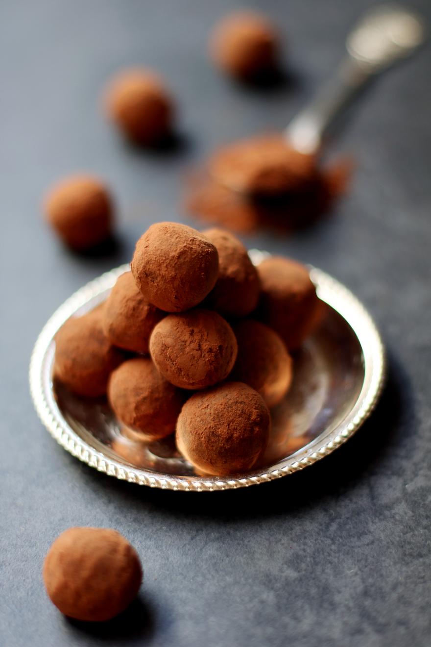 Truffes au chocolat végétaliennes (vegan, sans beurre)