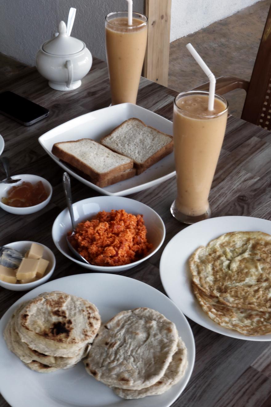 Petit déjeuner sri-lankais - Srilankan breakfast